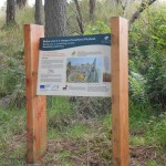 Upright structure with slightly angled Interpretation panel in Multiguard® - Woodland Trust