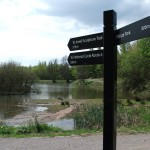Fingerpost with 3 directional fingers